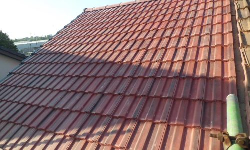 tile roofer in altrincham